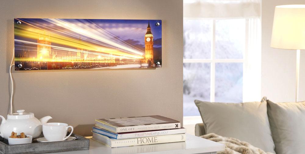 Indirekte belysning af foto bag akrylglas